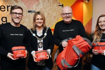 Madlug bag Mayor for official opening